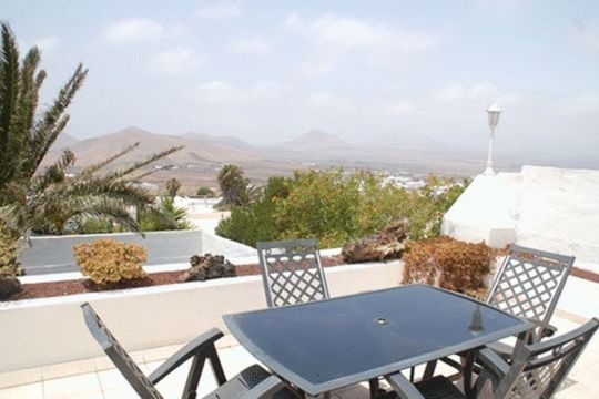 Beautiful Three Bedroom Villa in Nazaret.