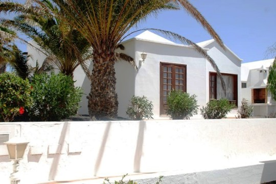 Beautiful Two Bedroom Bungalow in La Concha