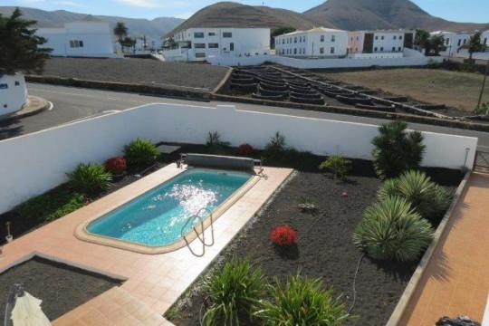 Four Bedroom House in Yaiza