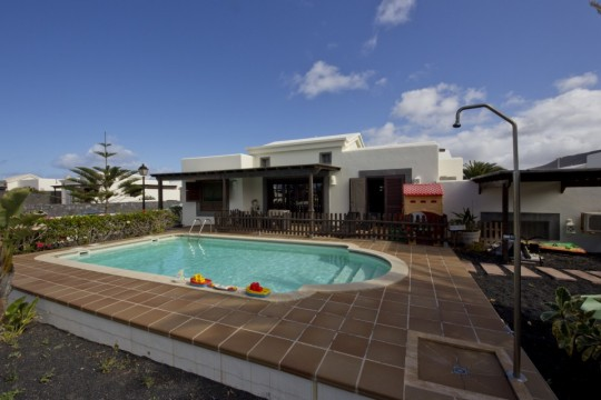 Three Bedroom House in Faro Park, Playa Blanca