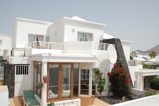 THREE BEDROOM HOUSE IN TIAS